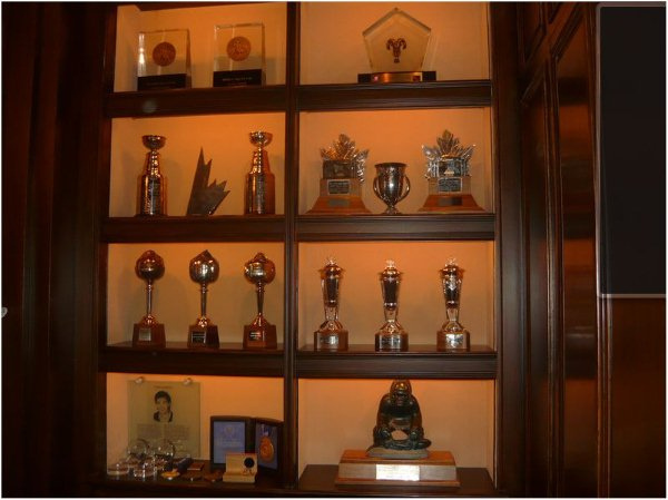 Marketing writer and trophy case of writing samples